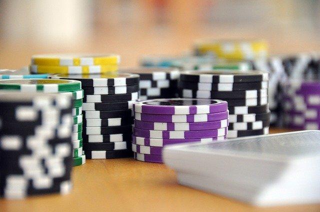 Spill online casino trygt med riktig kort